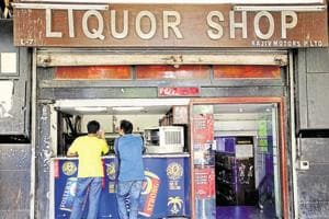 Delhi govt directs liquor stores to display MRPs to avoid confusion...