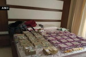 CBI arrests two in connection with I-T seizure of Rs 5.63 cr