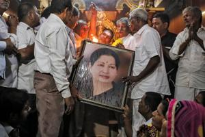 Jayalalithaa in 'grave situation': 5 updates on her health