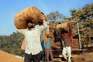 Demonetisation effect: 2,500 lose jobs as Howrah jute mill shuts