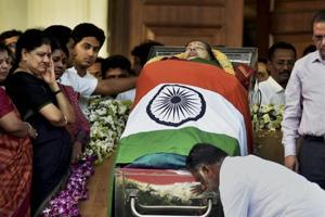 'Iron Lady' dies: How Tamil media announced Jayalalithaa's death today
