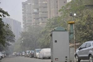 Ghaziabad: Pollution watchdog checks air quality in Kaushambi