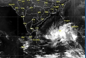 Heavy rains strand 800 Indian tourists on Andamans, navy ships to...