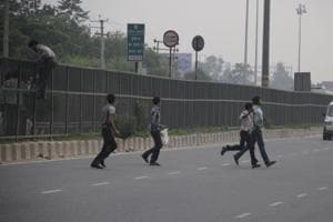 Gurgaon police kicks off campaign on road safety awareness