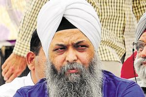 If AAP tickets on sale, Akalis and Cong could buy and form govt:...