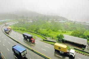 Soon, more lanes on e-way to reach Pune from Mumbai faster