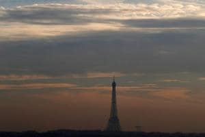 Paris struggles with worst winter pollution in decade