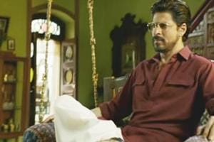 Shah Rukh Khan dons three different looks in Raees