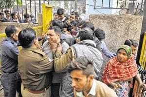 Noida: 30 days on, no end to mad dash for cash