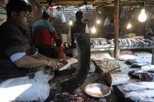 Noida's meat, fish vendors' peak season hit by cash crunch