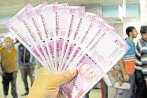 Rs 10 lakh worth new banknotes seized in Gurgaon