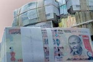 Over Rs 10 lakh in old notes seized from BJP worker in Pune
