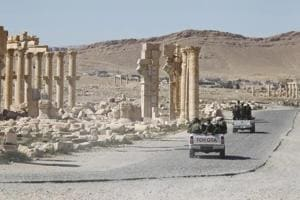 Russian onslaught forces Islamic State out of Syria's Palmyra