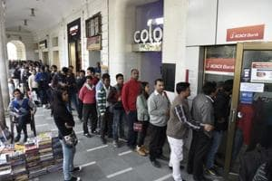 Anticipating rush, banks cater only to 'home branch' customers in Delhi