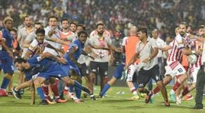 A brawl broke out as soon as the referee blew the final whistle ending the second leg of the Indian Super League semifinal between Atletico de Kolkata and Mumbai City FC.