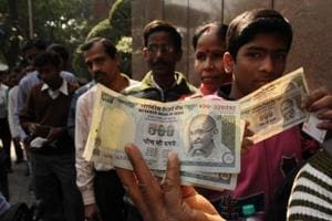 Govt says new banknotes difficult to fake, focus is on printing Rs 500 bills
