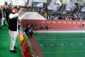 Poll rush: CM Akhilesh launches 923 projects, inks housing deal with Centre