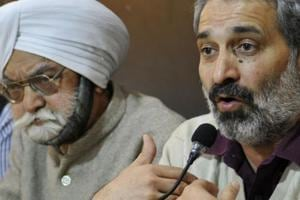 Former Congress councillor Chander Mukhi Sharma addressing the media inChandigarh on Wednesday.
