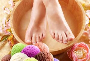 Choose from mojitos, pina coladas or ice-cream sundaes for delicious new manicures and pedicures this party season.