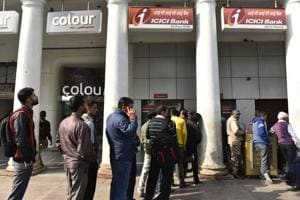 Bank queues ease out, ATMs still face rush