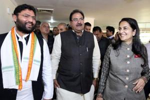 Abhay Singh Chautala (centre) has offered to relinquish the life presidency of the Indian Olympic Association (IOA).