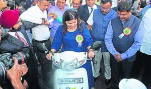 Ride CNG bike to college in Maharashtra, get more marks