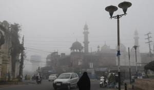 Fog spikes mercury drop in Indore, delays minister's flight in state capital