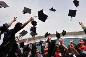 According to a survey, 85% more graduates were offered a salary package of  ₹6 lakh. (Representative image)