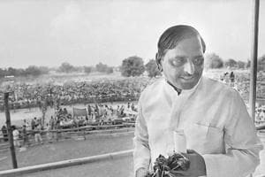 SP's battle differs sharply from the ideological rifts in past socialist parties