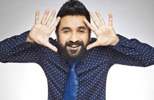 Comedian Vir Das will sit on a pot and read out the news onstage