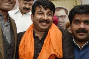 Manoj Tiwari challenges Arvind Kejriwal for open debate