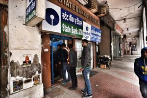 Queues fade in Delhi, banks claim people moving to digital payments