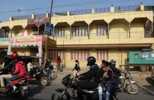 The Parijat,  a banquet hall in Ranchi's  Circular Road, has no parking space  and vehicles parked in front disrupt traffic.