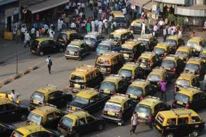 Transport unions in Mumbai oppose Centre's hike in licence fee