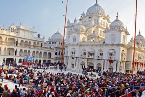 Radical leaders' presence gave anxious moments during Parkash Parv celebrations in Patna