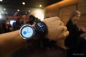Not only that, the Amazon India website also has a product listing from Samsung with a price tag of Rs 54,364 for two variants called Gear S3 Classic and Gear S3 Frontier with the same price. While from the looks of it, the Classic seems to have a leather strap while the Frontier seems to have a silicone strap.