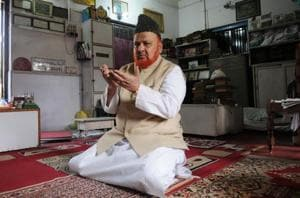 The 'Fatwa man' of Bengal who is offering Rs 25 lakh for blackening PM Modi's face