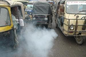 Vehicles are an important source of air pollution (Santosh/HT photo)