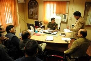 Residents of sector 50 meets SP traffic for grievances regarding congestion