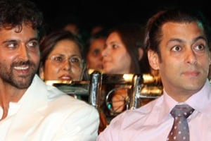 Can you recognise Hrithik Roshan in the picture Salman Khan tweeted?