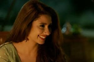 Raees: Mahira was shy after watching her chemistry with Shah Rukh in...