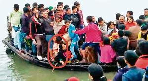 Overloaded motorised country boats catch fire easily: Bihar boatmen