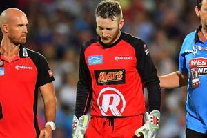Big Bash League: Brad Hodge's bat breaks keeper Peter Nevill's jaw -...