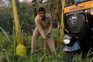 Autorickshaw driver plants 350 saplings at Thane, convinces 40 other drivers to join him