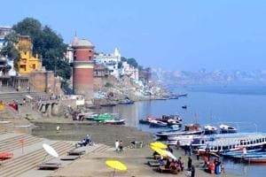 Global Greens has proposed a meeting of environmentalists, saints and wildlife enthusiasts  to finalise a proposal for creating dolphin centres in Allahabad and Varanasi.