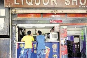 Bihar Govt not to renew license of liquor units in 2017-18
