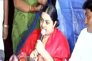 Jayalalithaa's niece Deepa Jayakumar announces political debut