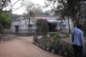 Ranchi: Land mafia target house belonging to kin of Rabindranath...