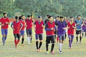 Two Kashmiri footballers selected for Spanish club meet CM Mufti