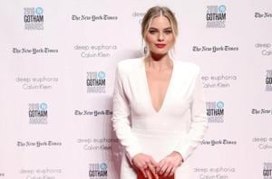 Margot Robbie transforms into figure skater Tonya Harding for...
